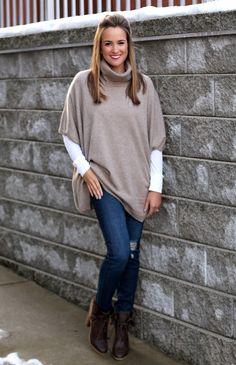 6 Bundled Up Looks - Lex What Wear #Styled6Ways #fashionblogger #nashvilleblogger #styleblogger #ootd #outfitideas #cashmere #ponchosweater #winterstyle #styleideas #styleinspiration