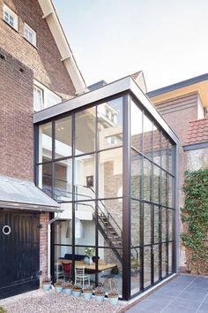 Modern Dutch Door Home Ideas Extension Veranda, Glass Extension, Architecture Plan, Interior Architecture, Landscape Architecture, House Extensions, Glass House, Modern Interior Design, Exterior Design