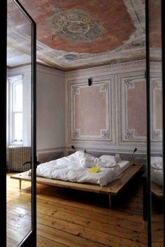 bedroom / Pink