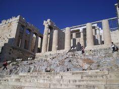 Mnesikles;Propilei; V secolo a.C., 437-432;   marmo pentelico bianco e pietra grigia di Eleusi; Acropoli di Atene.