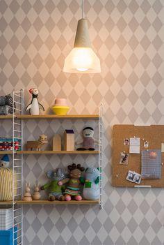 LundLund Minimalist Scandinavian Wooden Pendant Light – Tudo And Co Minimalist Scandinavian, Modern Minimalist, Berlin Design, Design Thinking Process, Interior Minimalista, Design Furniture, Blue Design, Lighting Design, Lighting System