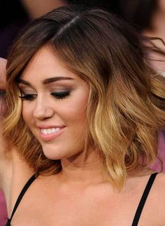 New hair idea! My current hair inspiration -->Miley Cyrus Short Ombre Hair Blond Ombre, Ombre Hair Color, Short Ombre, Ombre Bob, Dark Ombre, Hair Colour, 2015 Hairstyles, Celebrity Hairstyles, Dip Dye Hair Short