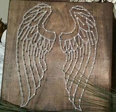 Angel Wing string art por StringyandArtsy en Etsy