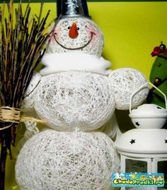 Creative ideas diy adorable snowman using yarn and balloons 30 creative and fun diy snowman decorations architecture art designs solutioingenieria Choice Image
