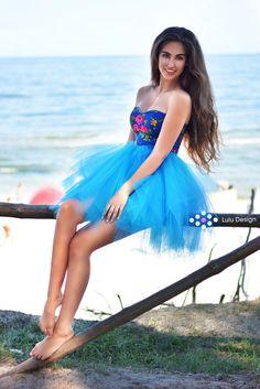 9e73a6e5a3 Sukienka góralska o wzorze kwiatowym z tiulem  luludesign  luludesignpl   góralska  ludowa  folkowa  etno