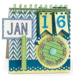 Daily calendars can be functional and adorable. #wermemorykeepers #minibooks #papercrafting