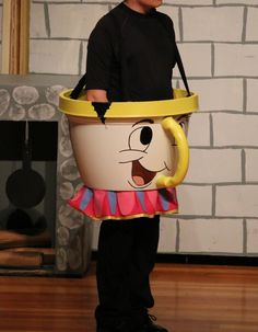 Chip is made out of large flower pot and a electrical pipe which i used a h Disney Halloween, Holidays Halloween, Halloween Costumes For Kids, Halloween Decorations, Beauty And The Beast Costume, Beauty And The Beast Theme, Up Costumes, Costume Ideas, Chip Costume