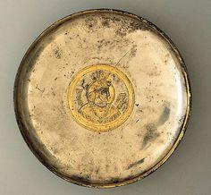 Sasanian_Silver_Gilt_Plate_c._600_CE_MIHO_Museum. بشقاب نقره طلا کاری شده ساسانی، حدود ۶۰۰ میلادی، موزه میهو ژاپن / موزه مجازى هنر ايران در فيسبوک