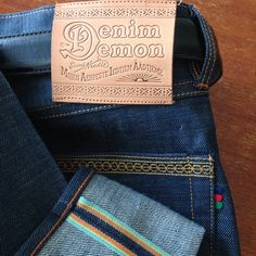 New jeans from Swedish company Denim Demon. I don't know what I love better, the color of the Japanese denim, the rainbow selvedge, the beautiful stitching embroidery, or the the natural colored leather patch?!