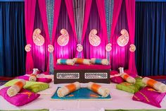 10 Wonderful Themes to Consider for Your Mehendi - Bridals.