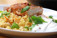 Buttermilch-Harissa-Huhn mit Möhren-Couscous