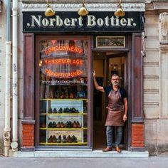 'Norbert Bottier' - Norbert Proudly Displays The Collection Of Shoes He Designs - Paris Retail Facade, Shop Facade, Shop House Plans, Shop Plans, Cire Trudon, French Cafe, Paris Shopping, Leaving Home, Shop Fronts