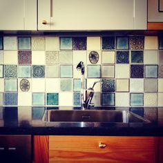 A blue kitchen by Terraviiva.