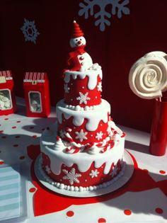 beautiful christmas cookies Weihnachtspltzchen Its Christmas time! Christmas Themed Cake, Christmas Cake Designs, Christmas Cake Decorations, Christmas Snacks, Christmas Cupcakes, Holiday Cakes, Christmas Cooking, Christmas Desserts, Christmas Time