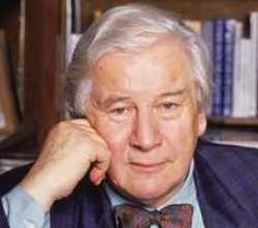 Peter Ustinov was a private with the British Army's Royal Sussex Regiment from 1942-1946.