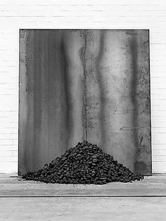 Untitled  2012 iron and coal 200 x 180 x 59 cm exhibition view at Tramway, Glasgow 2012 JANNIS KOUNELLIS