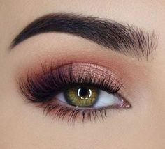 41 Top Rose Gold Makeup Ideas To Look Like a Goddess rose gold eye makeup, natural makeup, wedding makeup looks, rose gold makeup for brown eyes - Das schönste Make-up Eye Makeup Blue, Makeup Looks For Green Eyes, Pretty Eye Makeup, Hazel Eye Makeup, Rose Gold Makeup, Dramatic Eye Makeup, Stunning Makeup, Natural Eye Makeup, Smokey Eye Makeup