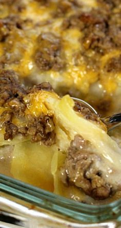 Hamburger Potato Casserole ~ The perfect comfort food and pleases even the pickiest eaters! Hamburger Potato Casserole ~ The perfect comfort food and pleases even the pickiest eaters! Beef Dishes, Food Dishes, Main Dishes, Hamburger Potato Casserole, Recipes With Hamburger And Potatoes, Easy Hamburger Meat Recipes, Hamburger Dishes, Turkey Casserole, Easy Casserole Recipes For Dinner Beef