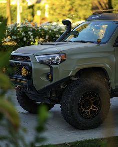 Toyota Pickup 4x4, Toyota Tacoma 4x4, Tacoma Truck, Toyota Trucks, Jeep Truck, Toyota 4runner, Custom Trucks, Custom Cars, Overland 4runner