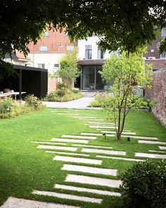 BURO OUTSIDE City garden Ternat Pieter Van Hauwermeiren landscape gardener landscape … - therezepte sites Back Gardens, Small Gardens, Garden Design Plans, Gardening Courses, Garden Architecture, Backyard Landscaping, Landscaping Ideas, Garden Planning, Garden Paths