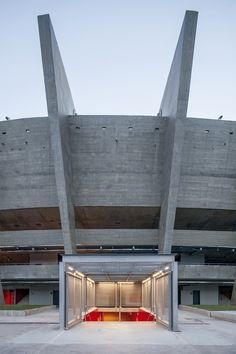 Mineirão,Escada de acesso ao nível -1 © Leonardo Finotti