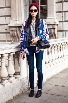 THE SHADY SIDE: street style inspirations: native american print for every day wear Fashion Week, Look Fashion, Fashion Photo, Winter Fashion, Womens Fashion, Fashion Trends, Net Fashion, Street Fashion, Le Grand Bleu