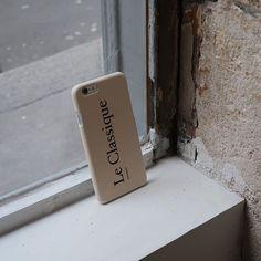 내일도 예쁜거 만들어야지☺️ 굳굳나잇  #goodnight 🌙  -    French Classic Phone case  Le Classique  www.dearmaison.com  #dearmaison #디어메종 #french #classic #classique #frenchstyle #phonecase #iphonecase #iphone6case #leclassique #manège #lebaiser #lecafe #paris #parismood #pariscafe #inparis #cafe #goodtime #night #sundaynight