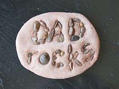 Dad Rocks Paperweight – Father's Day gifts for kids to make. Have your kids tell dad just how much he rocks!