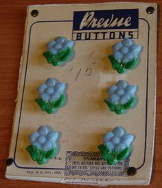 Vintage PREVUE Buttons REALISTIC Light Blue plastic FLOWERS original card 1940s