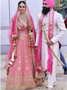 Wedding couple punjabi 63 new ideas Sikh Wedding Dress, Punjabi Wedding Couple, Couple Wedding Dress, Wedding Lehnga, Punjabi Couple, Wedding Dress Chiffon, Best Wedding Dresses, Wedding Suits, Wedding Couples