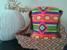 Love the colors! Indigena colombian art. Mochila wayuu