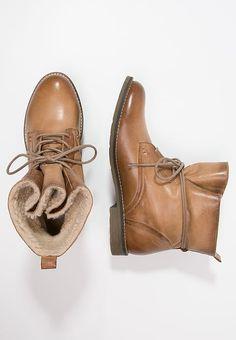 Chaussures Pier One Bottines à lacets - cognac cognac: 69,95 € chez Zalando (au 16/11/17). Livraison et retours gratuits et service client gratuit au 0800 915 207.