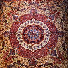 #carpet #pile #rug #footcloth #scatter #iran #kerman #insiran #insiran1 #insiran3 #instacarpet #photography #instapersia #instaakasbashi #instagram #کرمان #ایران