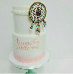 Dreamcatcher cake Boho Baby Shower, Baby Shower Cakes, Unique Cakes, Creative Cakes, Native American Cake, Dream Catcher Cake, Feather Cake, Boho Cake, Peanut Baby Shower