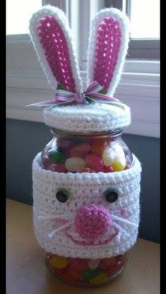 Unique Easter Holiday Gift Wrapping Ideas crochet bunny jar gift: The post Unique Easter Holiday Gift Wrapping Ideas appeared first on Urlaub. Crochet Easter, Bunny Crochet, Easter Crochet Patterns, Holiday Crochet, Crochet Home, Crochet Gifts, Free Crochet, Knitting Patterns, Knitted Bunnies