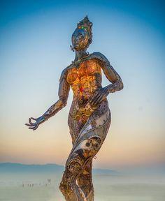 by trey ratcliff Burningman 2017 statue glow lights