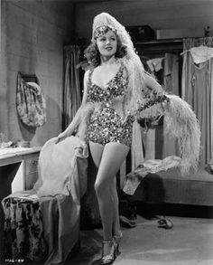 Lana Turner- Sweater Girl, Femme Fatale, & Golden Era of Film Movie Star added 8 new photos to the album: Dancing Co-Ed Vintage Hollywood, Old Hollywood Stars, Golden Age Of Hollywood, Hollywood Glamour, Hollywood Actresses, Classic Hollywood, Pin Up Vintage, Vintage Glamour, Vintage Beauty