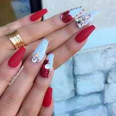 Perfect Red Acrylic Nails You Must Try Red Acrylic nails are the most effective ever. Red has numerous totally different nail styles. Red acrylic nails are excellent each for parties and busi Red Acrylic Nails, Acrylic Nail Designs, Nail Art Designs, Nails Design, Prom Nails, Bling Nails, My Nails, Fabulous Nails, Gorgeous Nails
