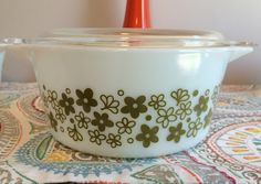 Vintage 1970's Spring Blossom Crazy Daisy Pattern 1.5 Quart Pyrex by GinchiestGoods on Etsy