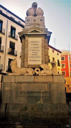 La Fuentecilla en la Calle de Toledo. Construida en 1815  por del conde de Moctezuma, alcalde de Madrid en 1814