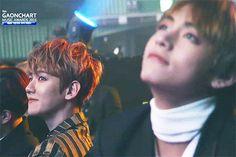 #wattpad #fanfic Ésta es la historia de una pareja, y su hermoso y adorable hijo. Chanyeol y Baekhyun tendrán que lidiar con las diferentes etapas de su querido Taehyung, y éste tendrá que soportar los fuertes sonidos que venían de la habitación de sus padres, porque ellos simplemente no pueden evitarlo. _¡Bienveni...