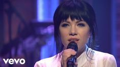 Carly Rae Jepsen - Run Away With Me/Your Type - Medley (Late Night with ...