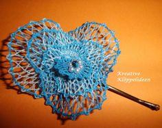 Handgeklöppelte Haarblüte in Blau-meliert
