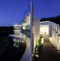 Razor Residence by Wallace Cunningham