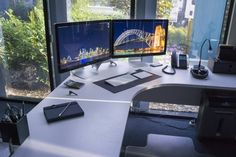 PC_Desk_MultiDisplay64_89.jpg