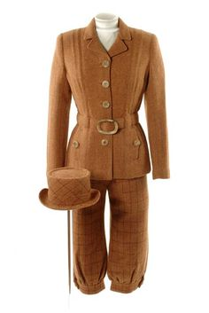 Woman's Harris tweed knickerbockers suit and matching pork-pie hat  Designed by Mary Quant in 1957.  http://www.museumoflondon.org.uk