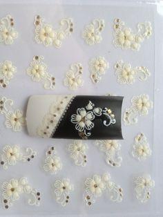 Ślubne naklejki 3D na paznokcie