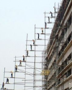 scaffolding to the max...this makes my palms sweat just looking at it!