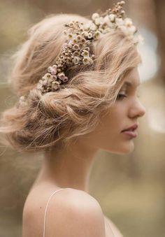 Romantic floral updo:: Vintage Updo:: Flowers in my hair:: Boho wedding
