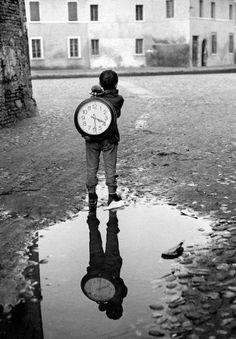 Si es bueno vivir, todavía es mejor soñar, y lo mejor de todo, despertar.  Antonio Machado